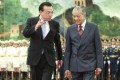 Chinese Premier Li Keqiang welcomes Malaysian Prime Minister Mahathir Mohamad to Beijing on his visit last year. Photo: Xinhua