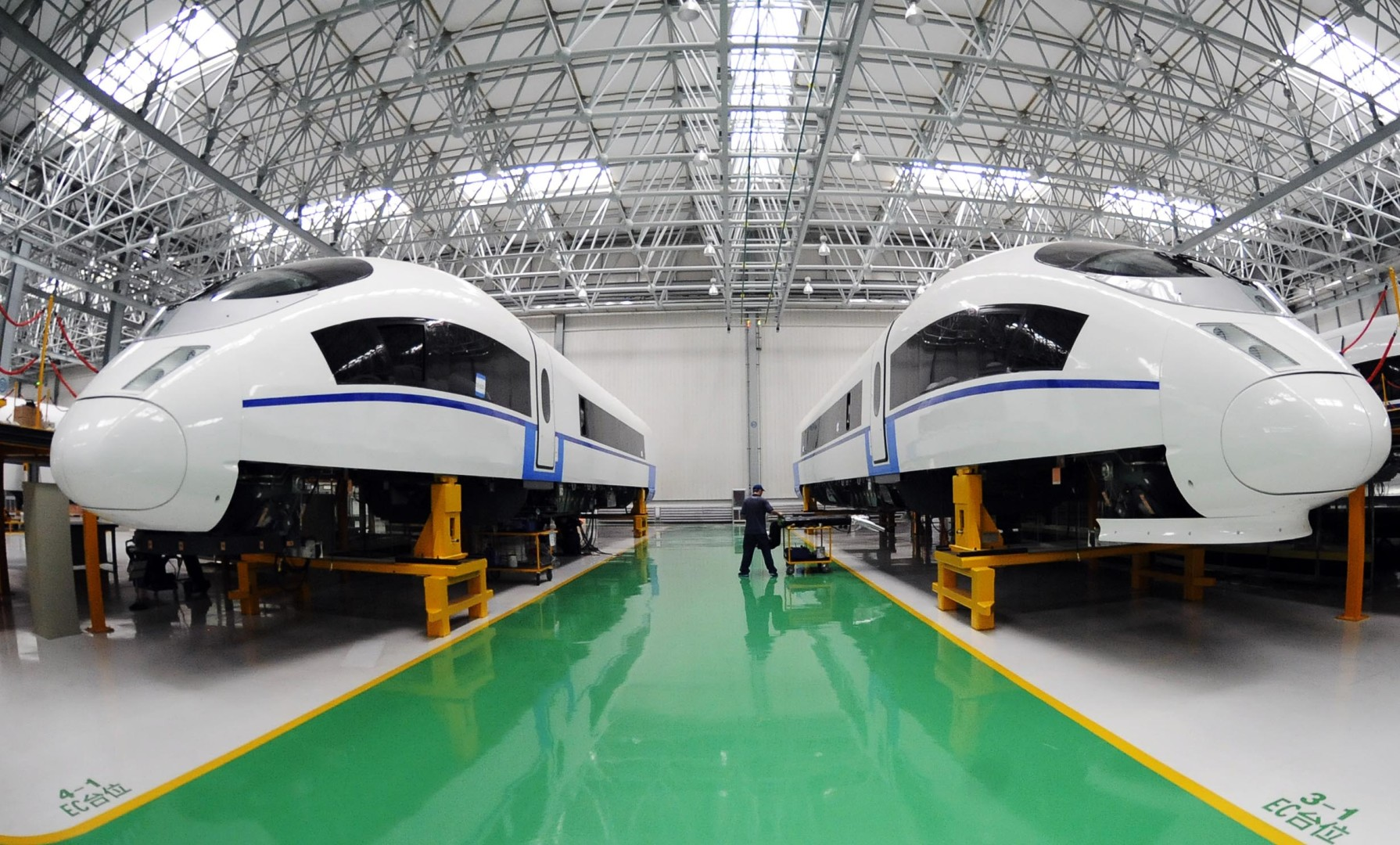 Chinese trainmakers CSR, CNR halt trading after merger
