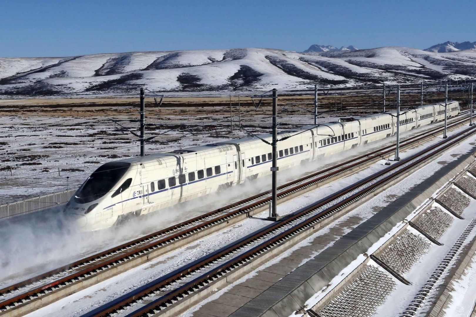 China extends high-speed railway network to remote Xinjiang