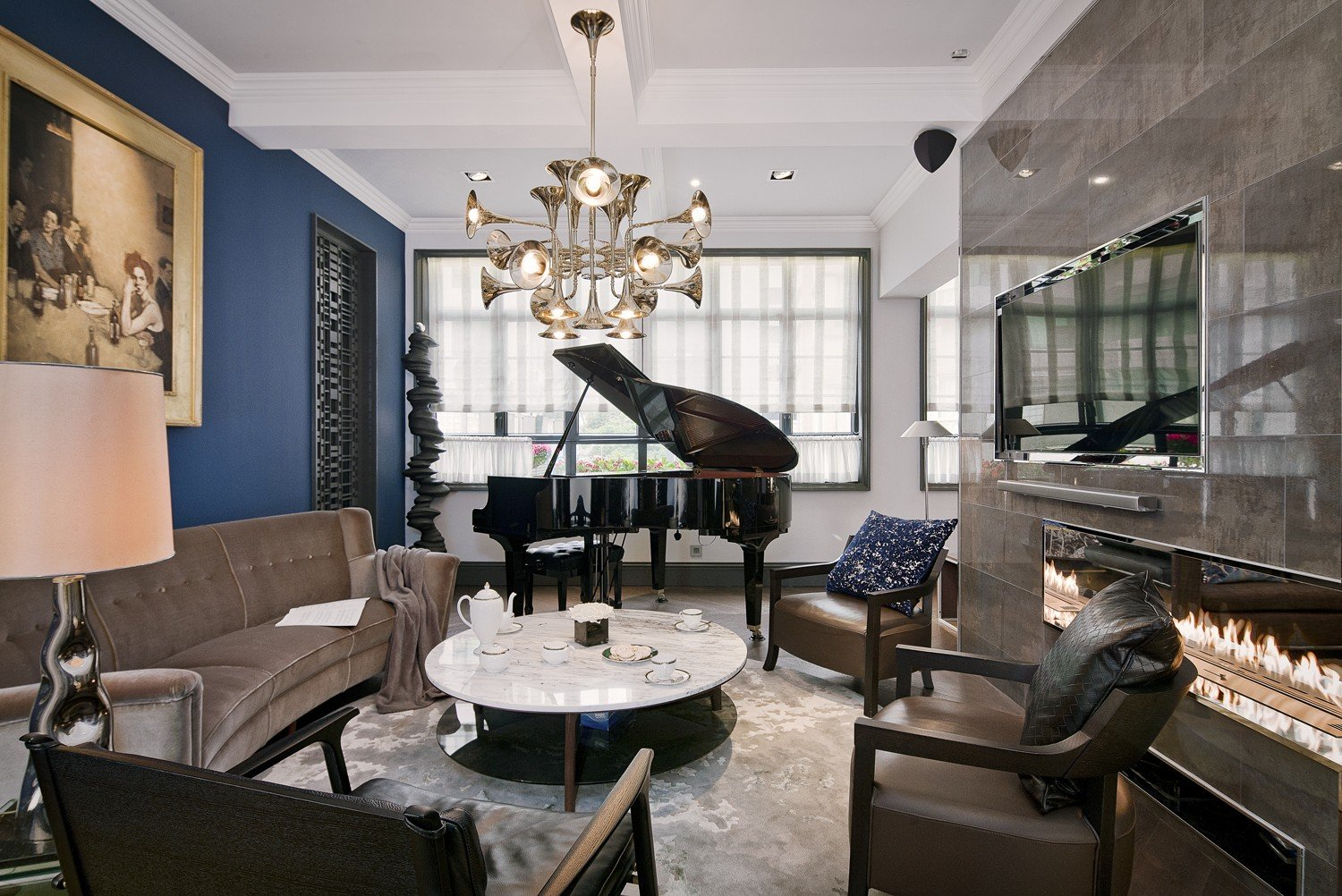 Ital Designs Hong Kong hotel-style glamour in a five-bedroom hong kong apartment