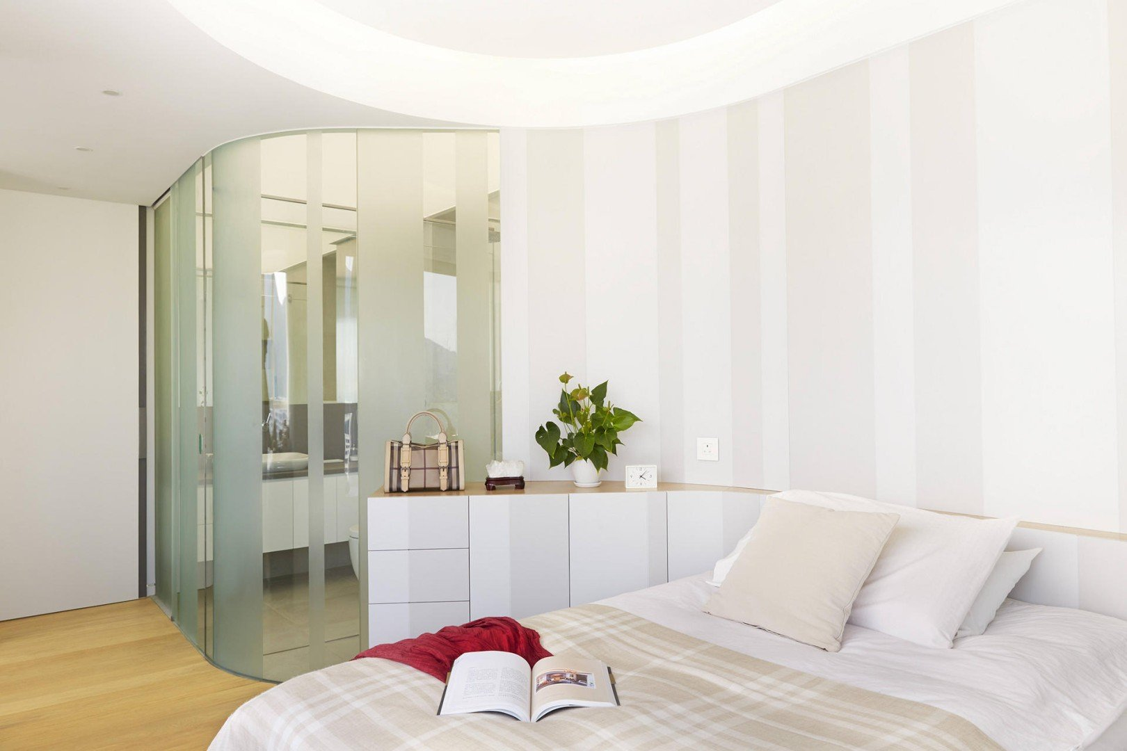 9cb4e8472600 Minimalist chic  a Hong Kong apartment shows how it s done