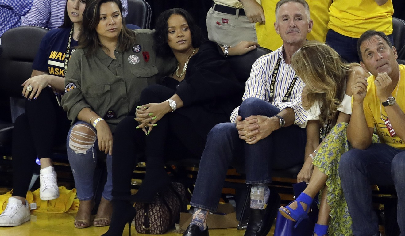 0aacb935d46 Stephen Curry takes verbal swipe at Rihanna after NBA Finals antics ...