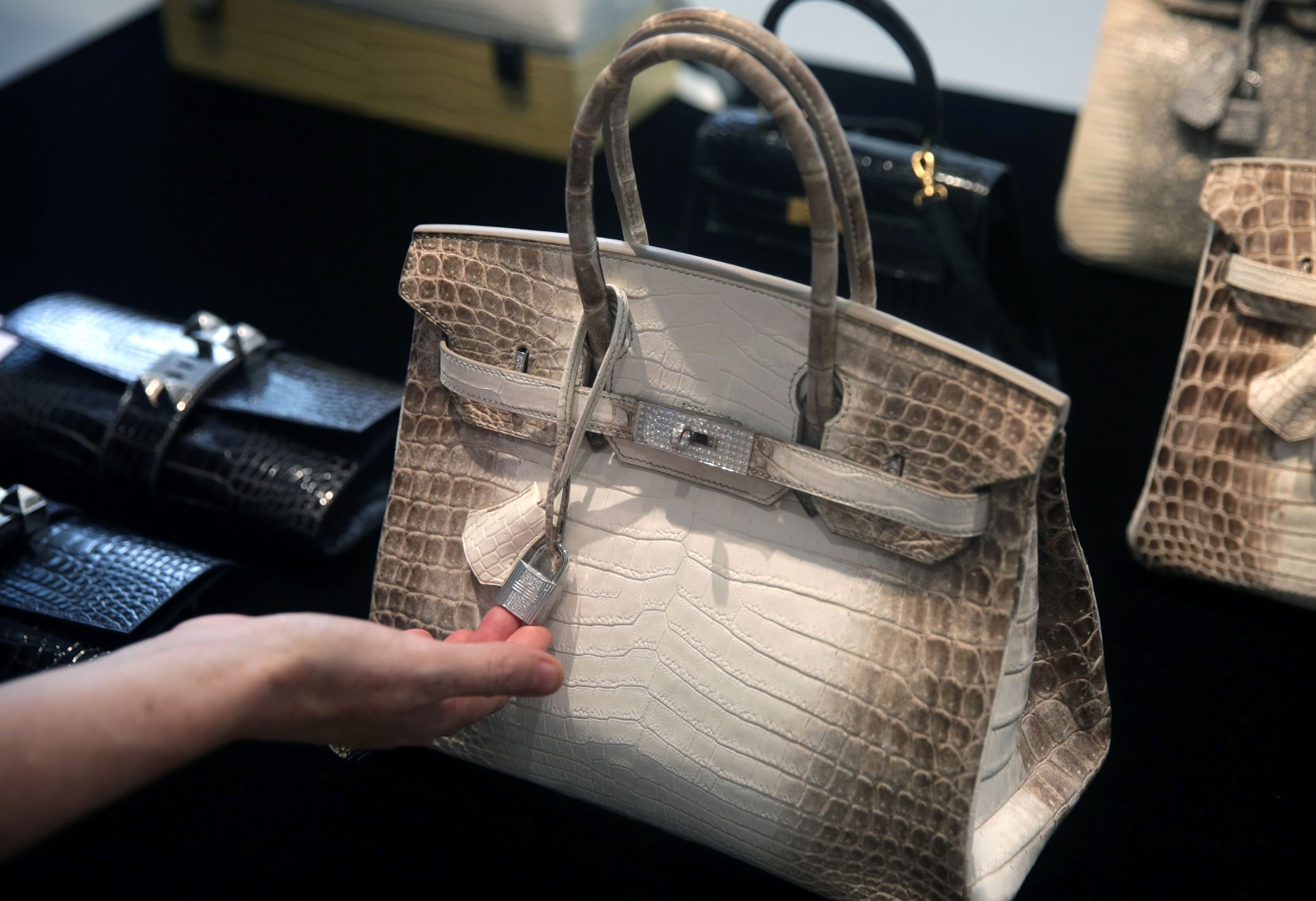 48f39b9b84e3 China's super rich to spend US$58 billion on gifting by 2020 | South ...