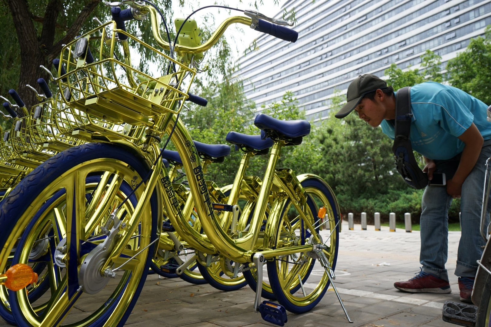 Chinese Bike-sharing services attract more than 100 million