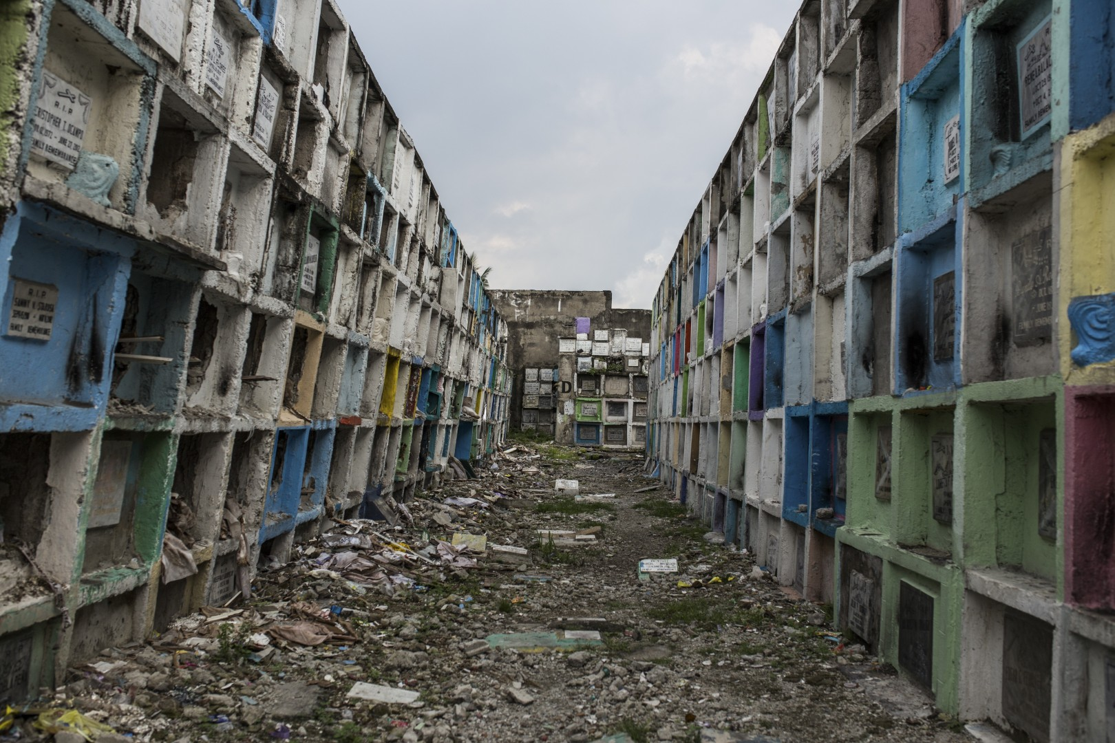 Manila's 'apartment tombs', where the poor bury their dead