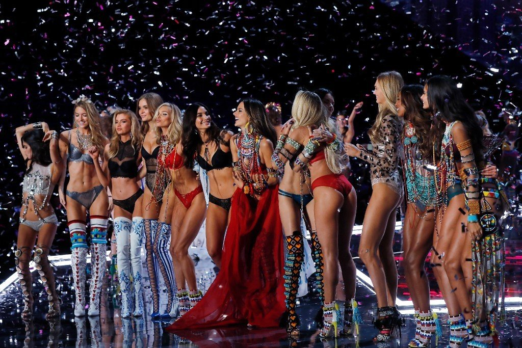 Who are the top nine highest-paid Victoria's Secret models