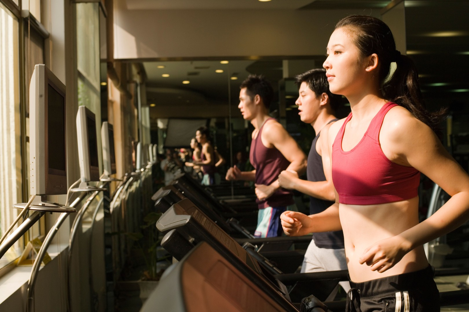 Ten top hong kong gym trainers to help you get fit fast and lose
