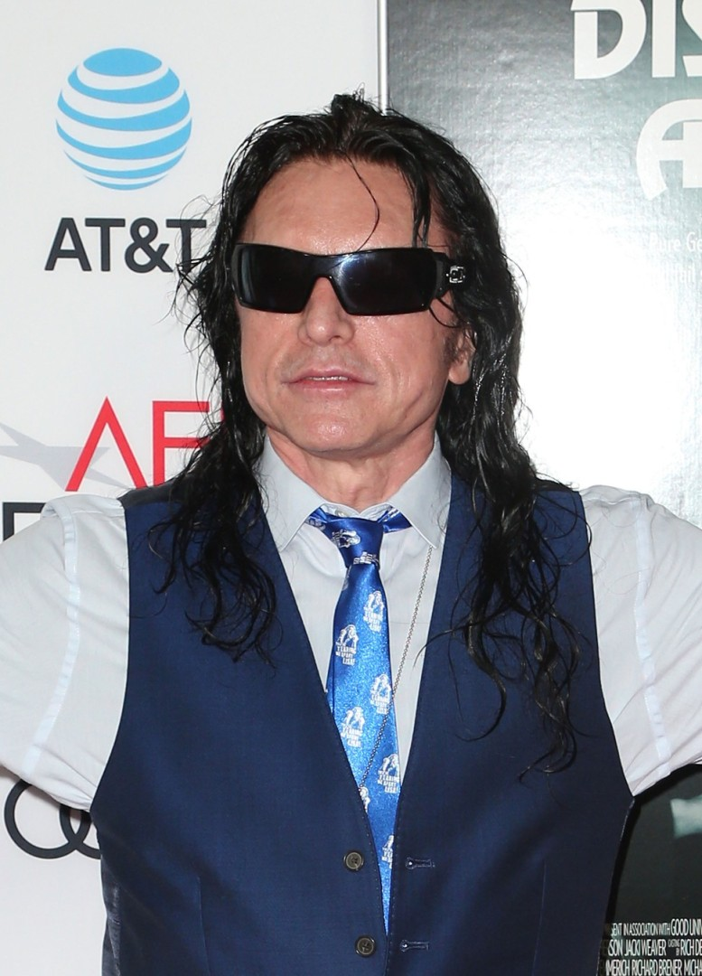3bc7f66d9f Flashback  The Room (2003) – Tommy Wiseau s cult classic