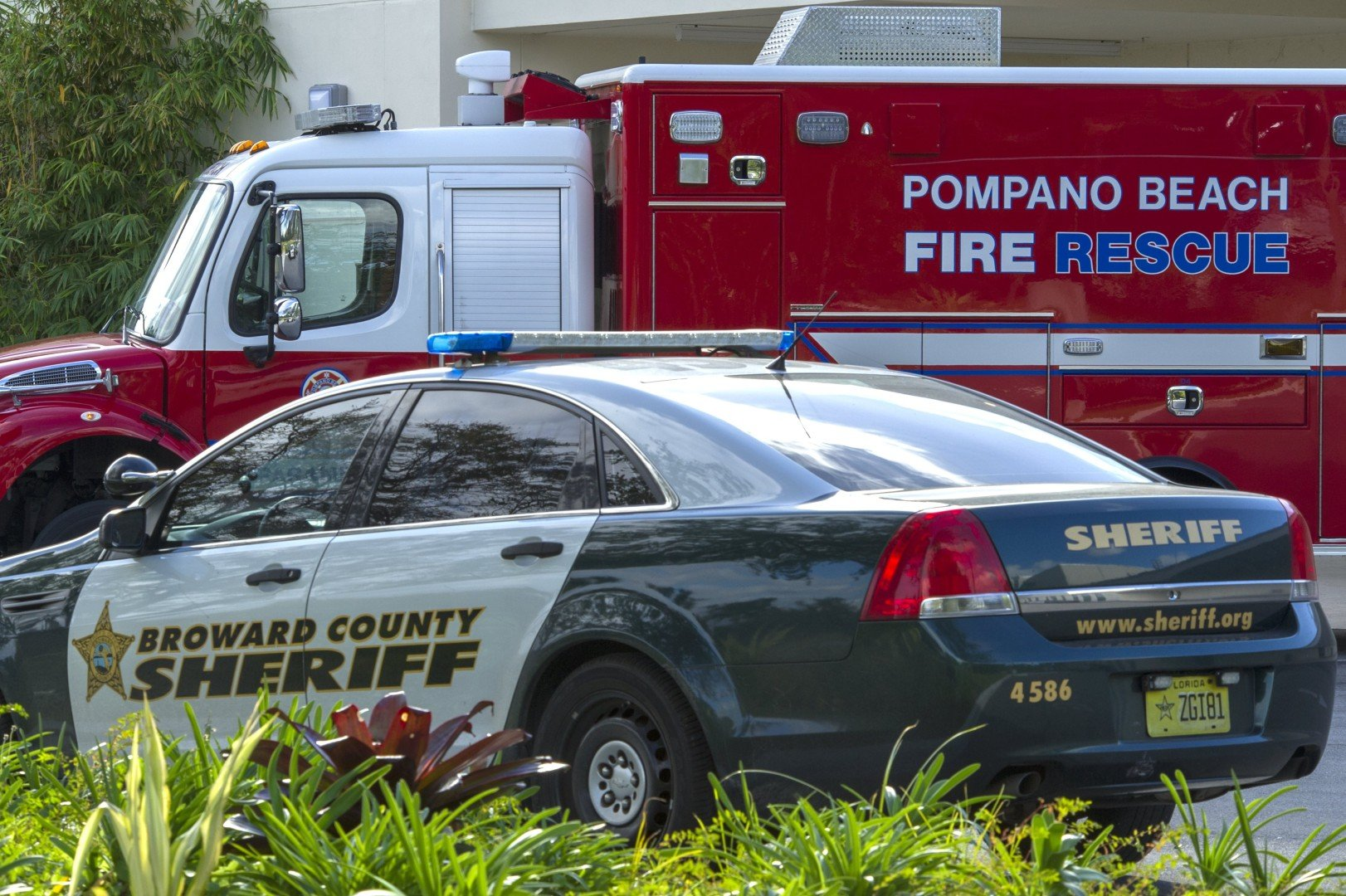 Florida sheriff's deputy shoots himself in the leg while