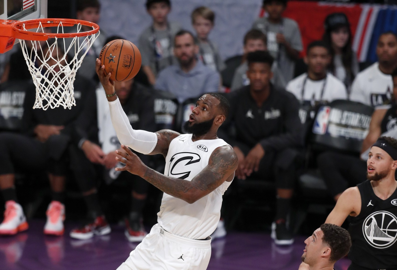 3097d84fcb9 Team LeBron defeat Team Stephen as defence makes rare appearance in NBA  All-Star game