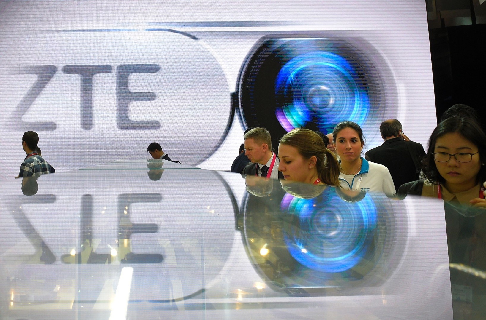 US slaps China's ZTE with 7-year components ban for breaching terms