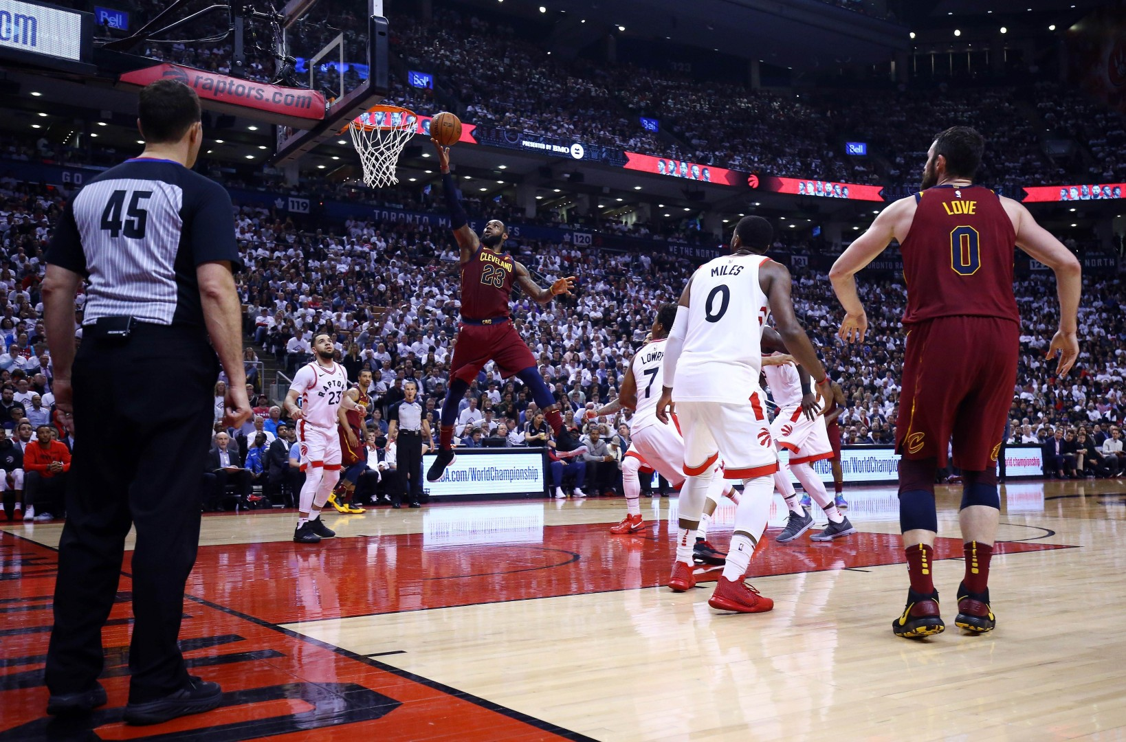 bb8fcacae2a Unstoppable LeBron James on fire as Cleveland Cavaliers top Toronto Raptors  to take firm grip on NBA play-off series | South China Morning Post