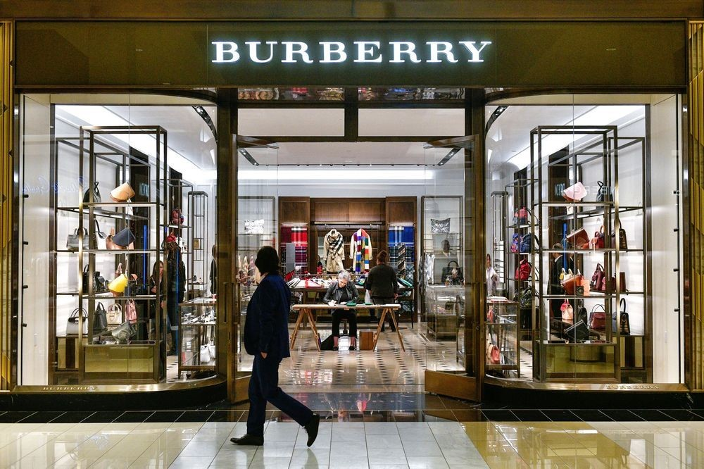 ca60e83f50ee Albert Frere s US 705 million stake in Burberry goes up for sale ...