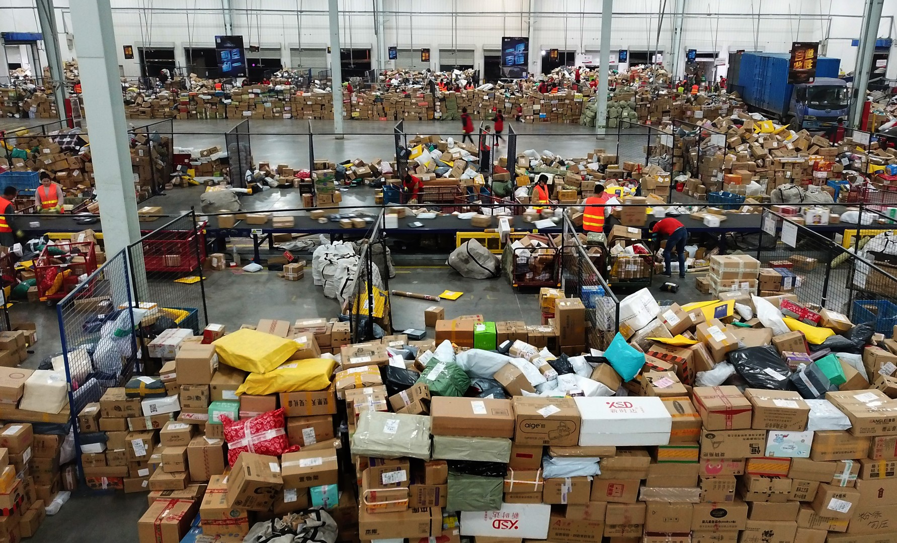 How to tackle inefficiencies in China's US$35 trillion logistics