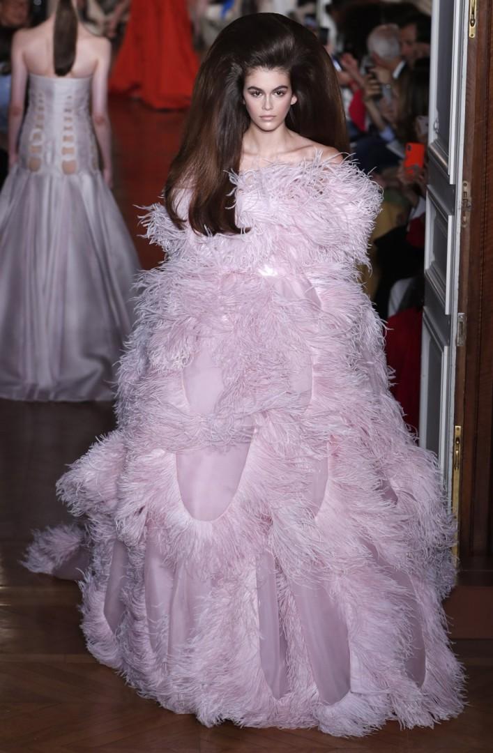 1799a83a26cd9 Paris Fashion Week  Maria Callas  serenades  Valentino designer Pierpaolo  Piccioli s standing ovation