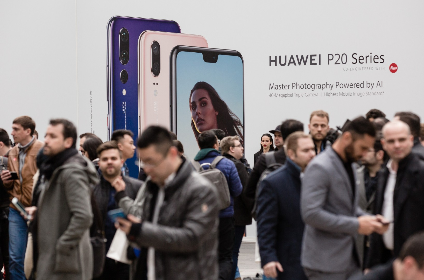 d5322e8f0 Huawei beats Apple with global shipments to become world s No 2 smartphone  vendor in second quarter