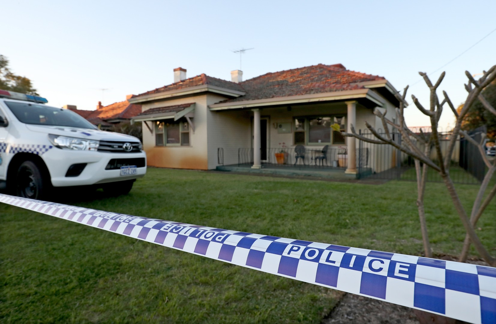 e85ffdd699 Australian police find up to five bodies