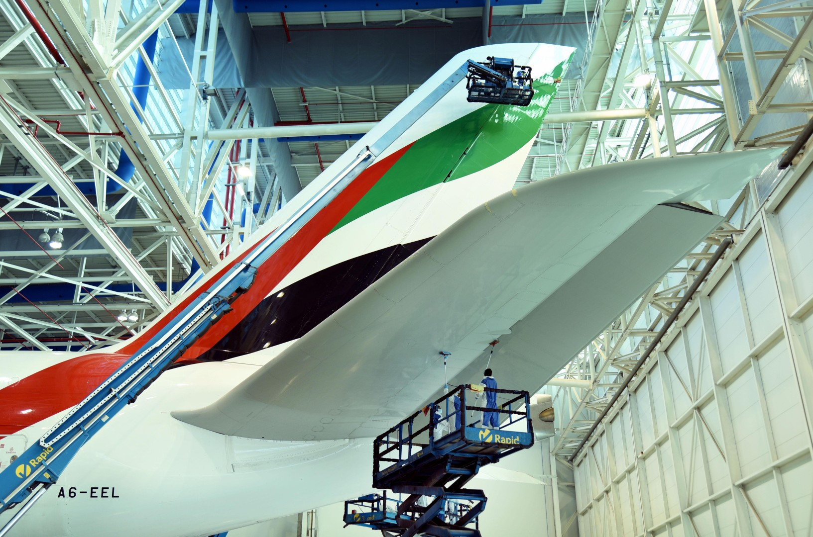 Why KLM, Singapore Airlines and Emirates are all flying green ...
