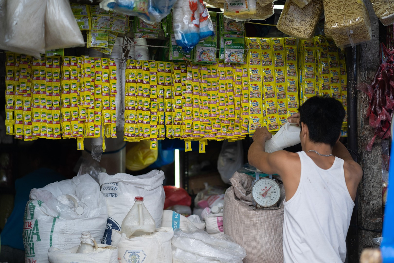 Philippines plastic pollution: why so much waste ends up in