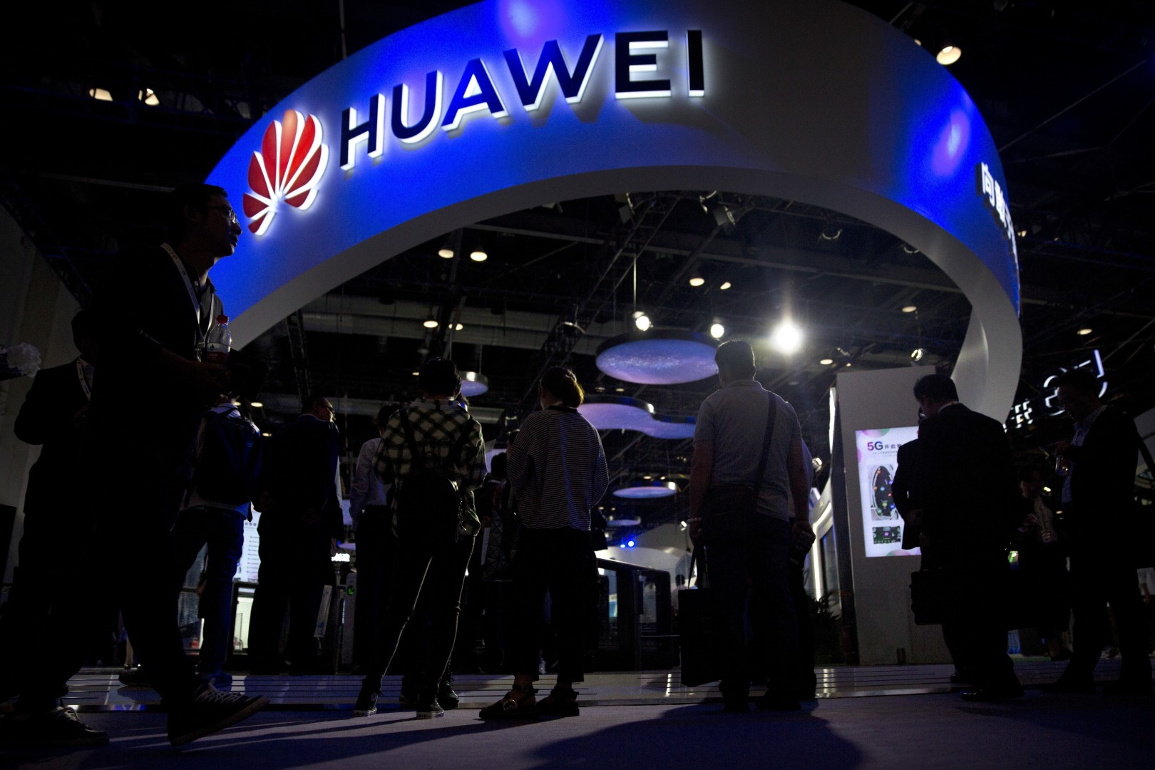 Huawei warns American consumers about warranty issues after decision