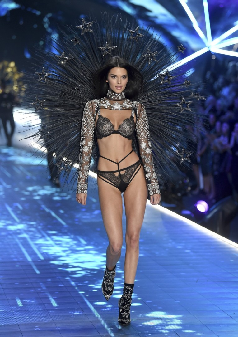 5cadc857ccd49 Chinese models Liu Wen and Ming Xi walk the runway at Victoria's Secret  Fashion Show | South China Morning Post