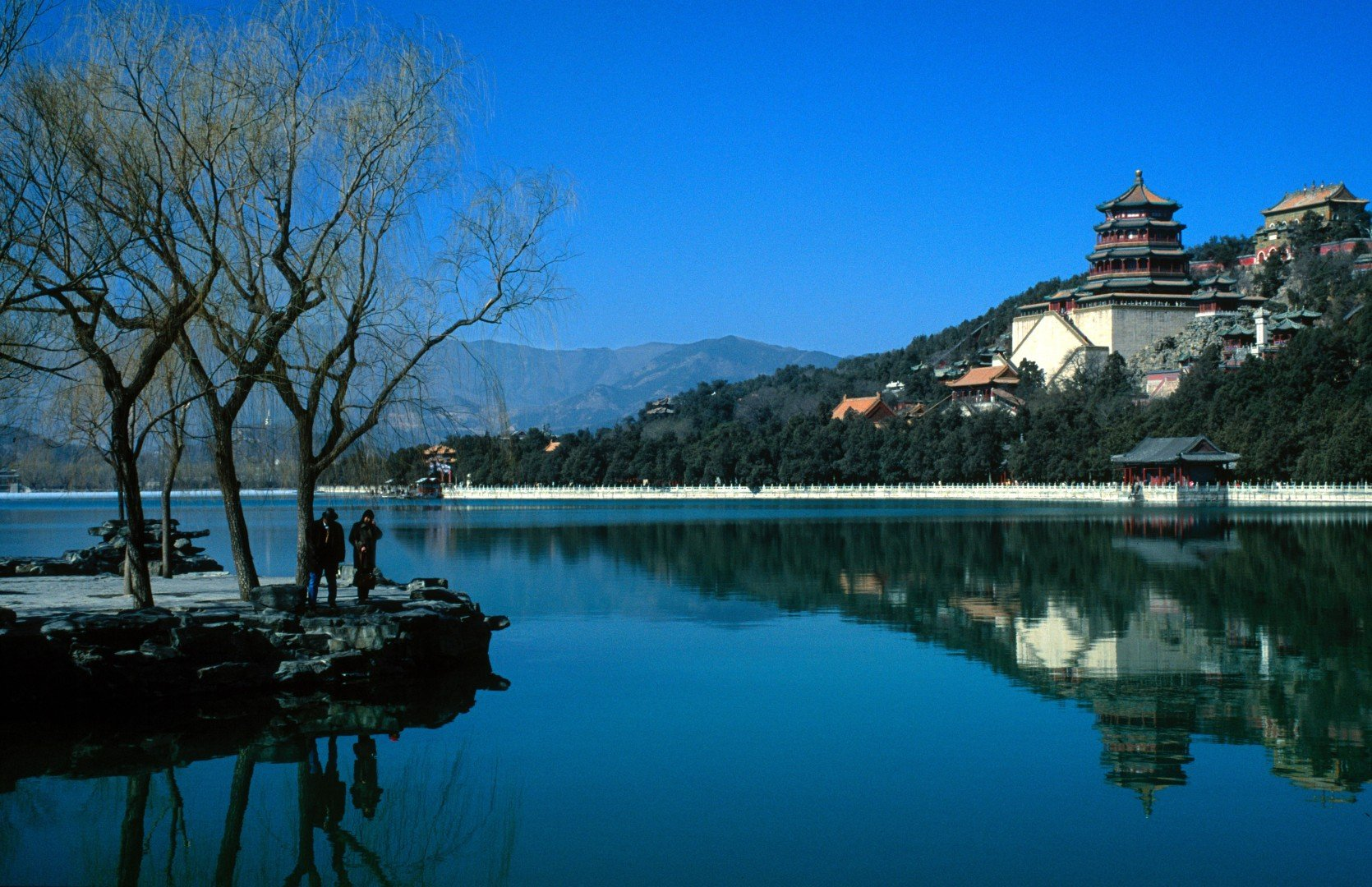 How tourism changed China: Lonely Planet's first guide to
