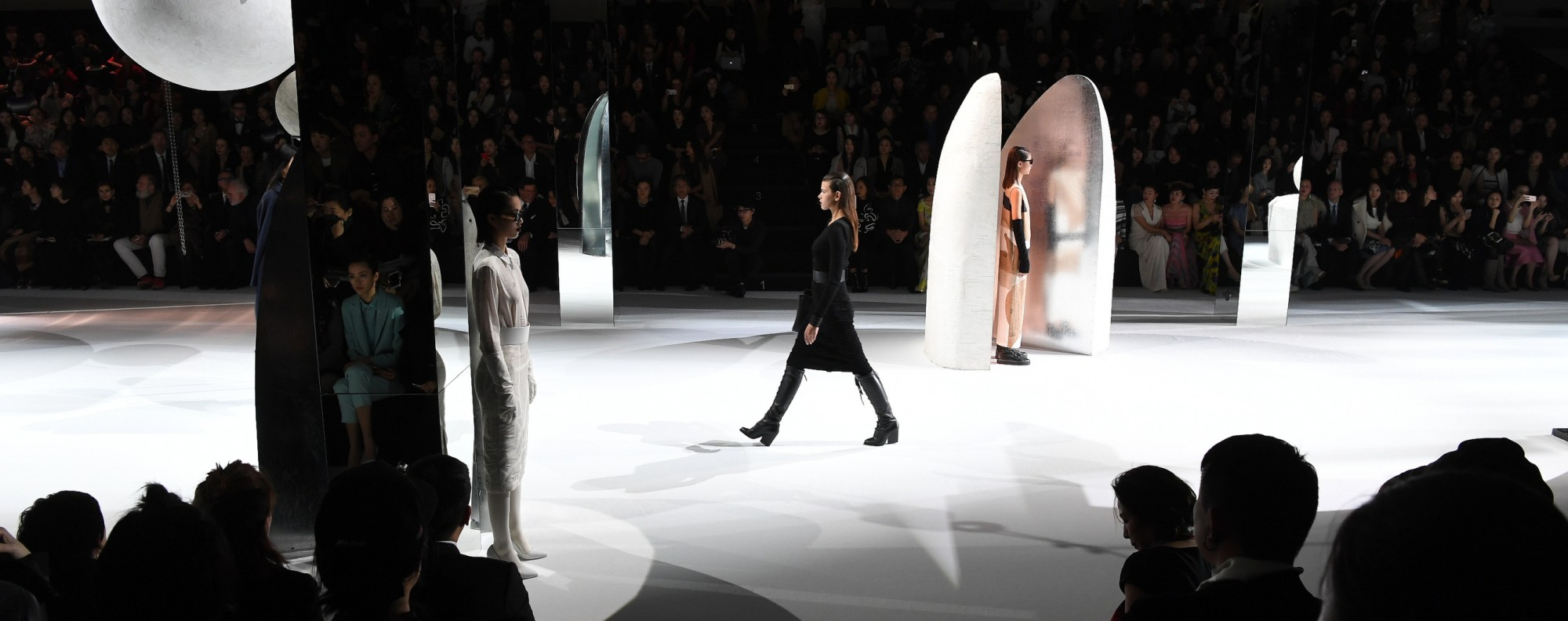 Chinese artist Liu Wei built the the runway set where Max Mara's autumn collection was showcased. The collection was inspired by the artist.