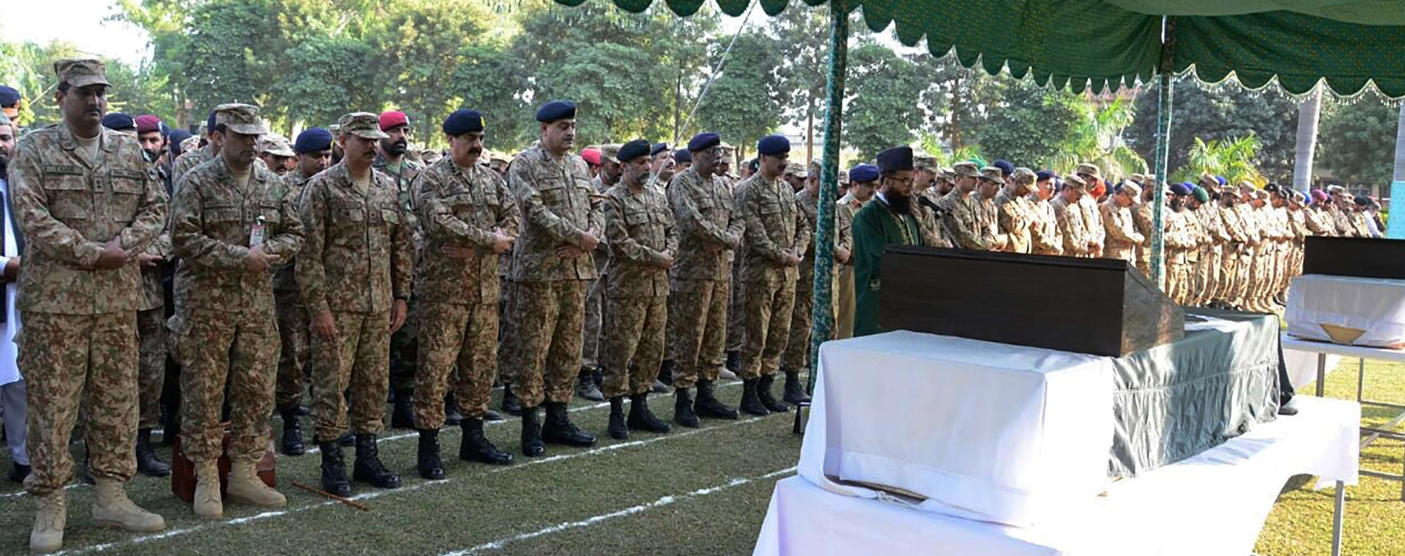 A funeral for Pakistan soldiers killed in Kashmir. Photo: AFP