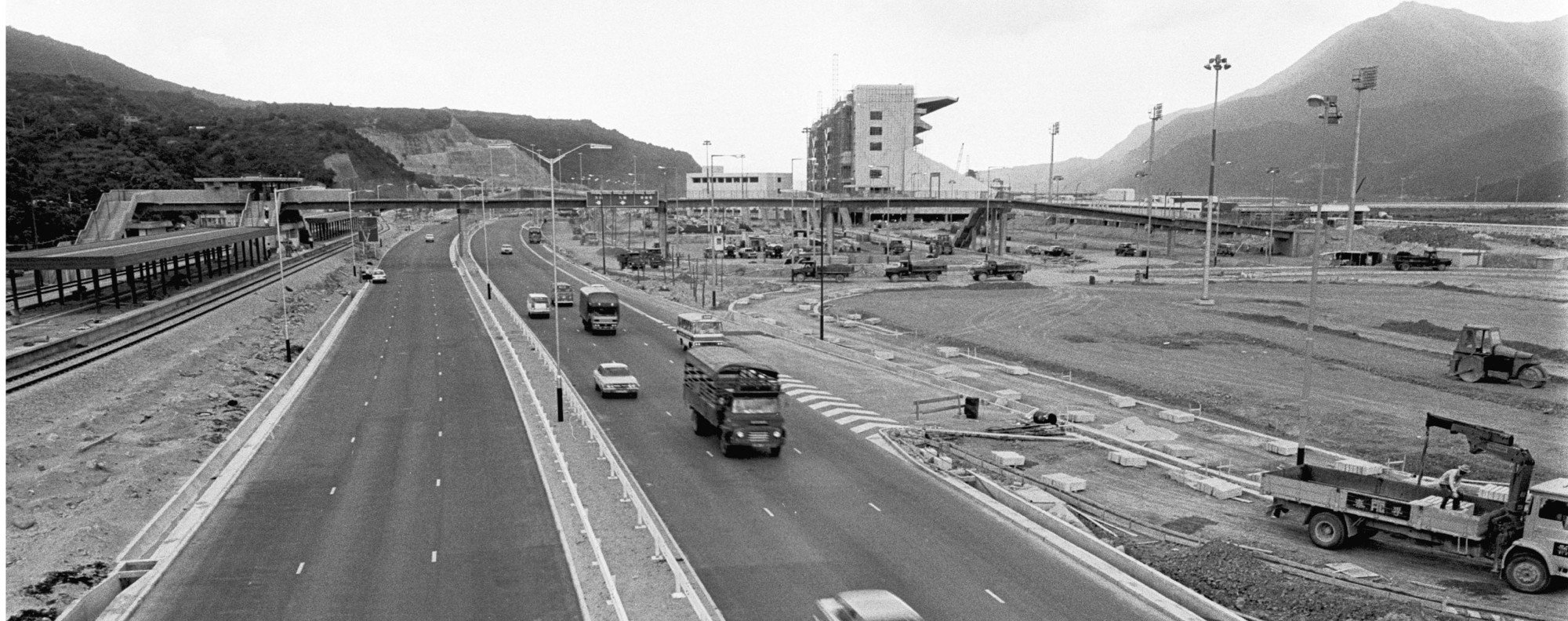 Sha Tin Racecourse in 1978, when a pay dispute involving mafoos led to three race meetings being cancelled.