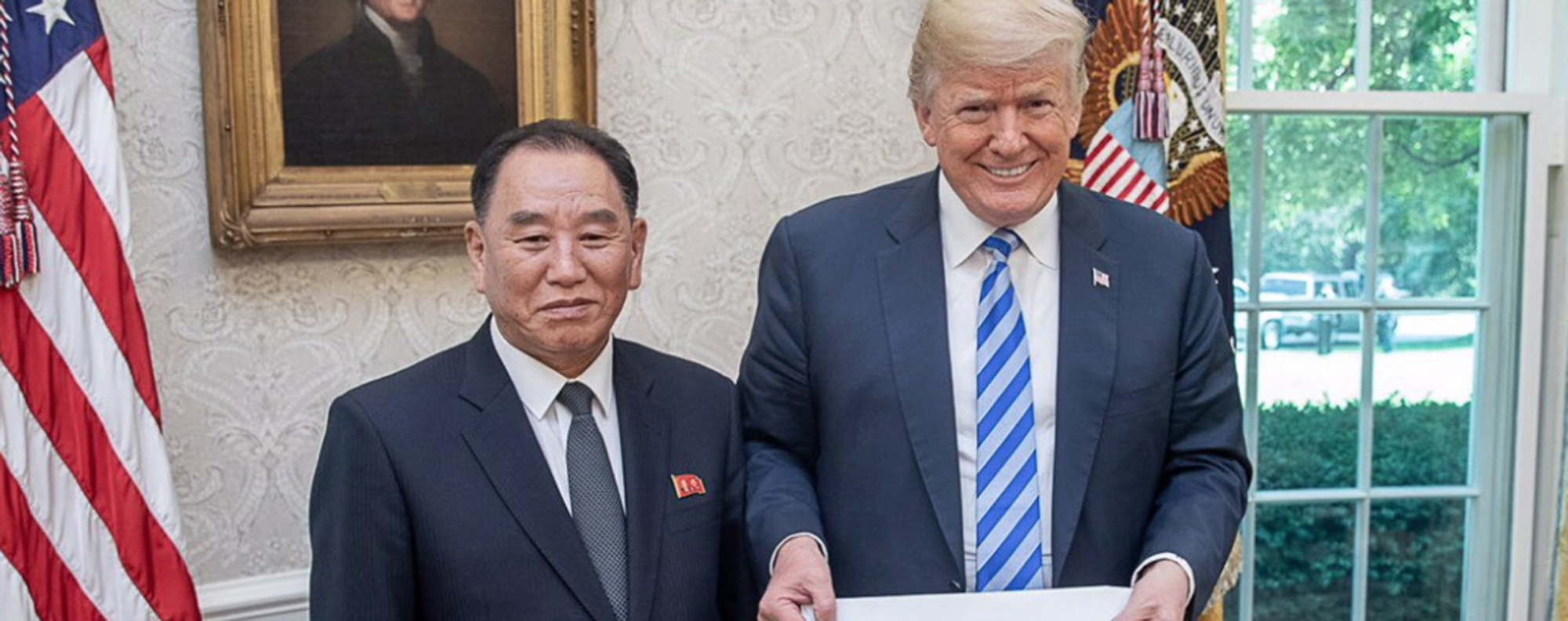 Trump gets a letter from North Korea. Photo: Twitter