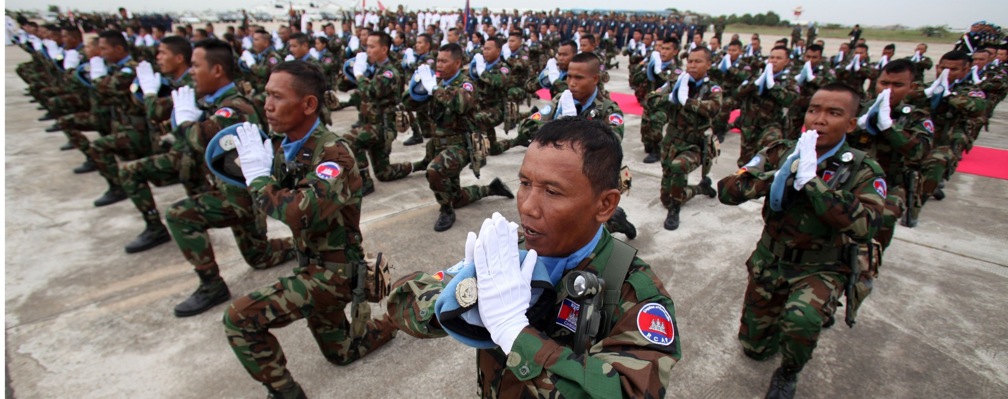 Cambodian troops take an oath. Photo: Xinhua