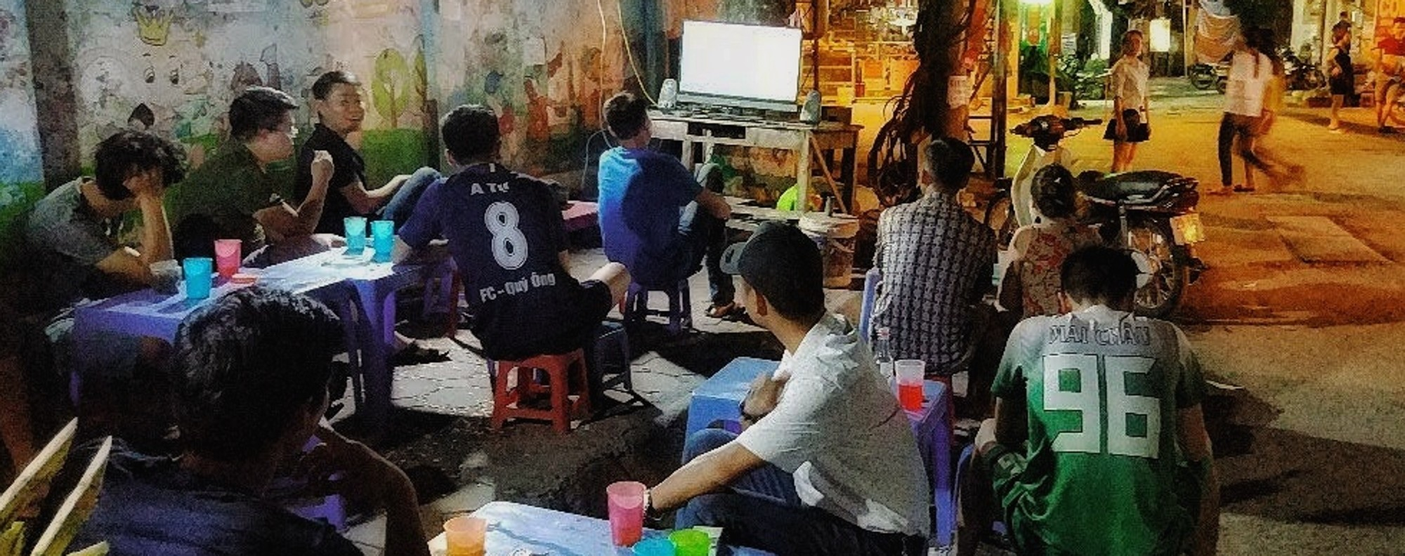 Watching the World Cup in Hanoi. Photo: Ceritalah Asean