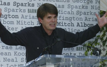 "26 Apr 2004, Los Angeles, California, USA --- Author Dean Koontz (""Odd Thomas"" and other books) at the 9th Annual Los Angeles Times Festival of Books on the UCLA campus. --- Image by © Gene Blevins/Corbis [20DECEMBER2015 THE REVIEW BOOK5]"