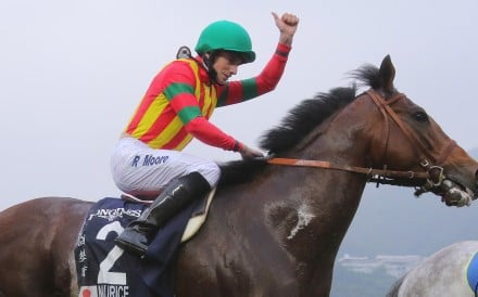 Race 7, Maurice, ridden by Ryan Moore, won the Hong Kong Mile(group 1, 1600m) at Sha Tin on 13Dec15.