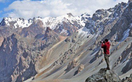 Tugo Cheng at work creating his breathtaking images, in Tian Shan in Xinjiang. All photos: Tugo Cheng