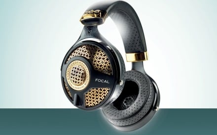 Featuring yellow gold design elements and set with 6ct of diamonds, the headphones deliver pure sound – and for a good cause