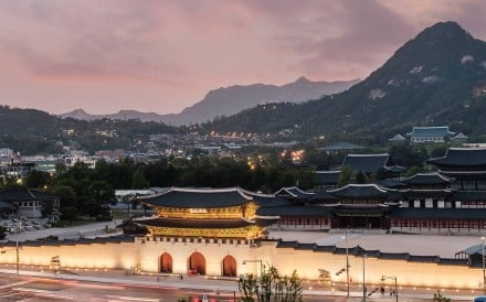 Spice up your time in Seoul with our guide to fun and fascinating experiences, whether it is pampering in the airport, a quick trip to Chinatown, or a longer jaunt to Jamsil Special Tourist Zone to see the world's fifth tallest building