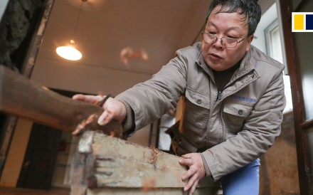 A carpenter in Shanghai has applied his skills to repairing some of the city's crumbling historical buildings. Ma Jiale, 57, said preserving these structures is essential to retain some connection...