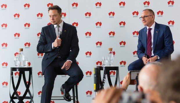 new styles 8b238 057a3 Elon Musk s Tesla will build what the maverick entrepreneur claims is the  world s largest lithium ion battery within 100 days, making good on a  Twitter ...