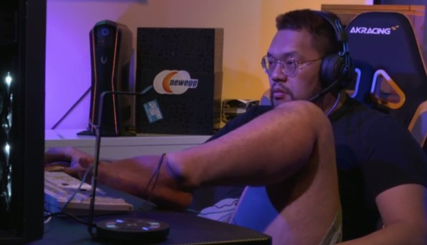 Showboating 'Korean Conor McGregor' riles Chinese e-sports rival as he uses feet and pretends to sleep during match-up