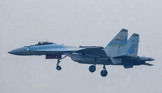 What weapons is China buying from Russia?