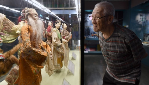 Taiwanese glove puppeteer's fight to save dying art makes film star of Budaixi master