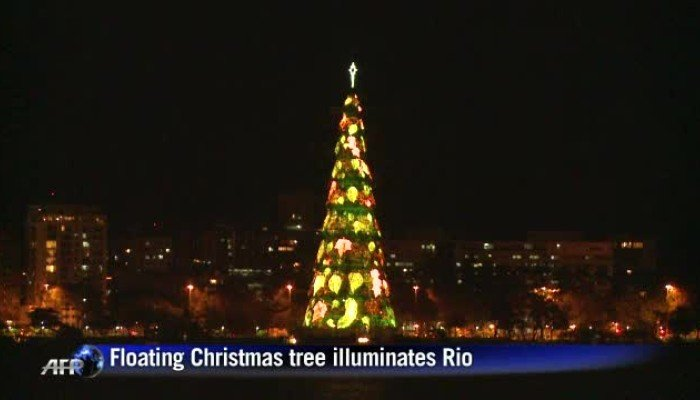 floating christmas tree lights up rio south china morning post