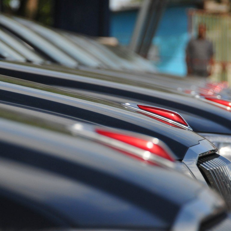Foreign Car Brands >> Domestic Car Brand Hongqi Sells 1 000 Cars To Chinese