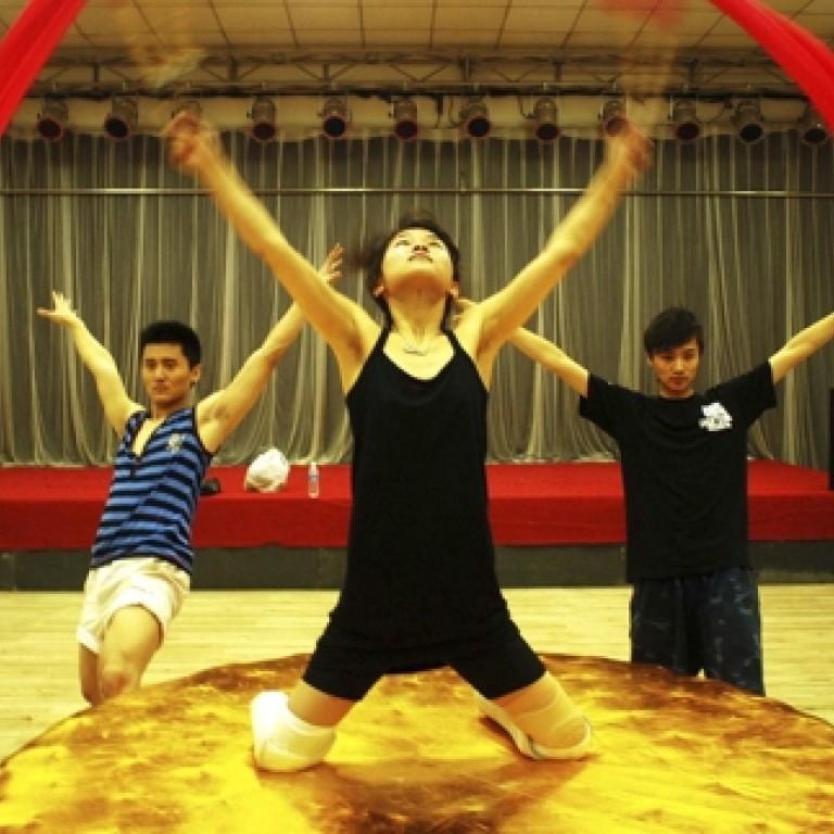 b7c25e56653e Liao Zhi, dancer who lost legs in 2008 Sichuan quake, inspires a Hong Kong  play   South China Morning Post