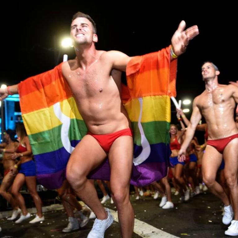 Mardi Gras gay sex piękna czarna nastolatka naga