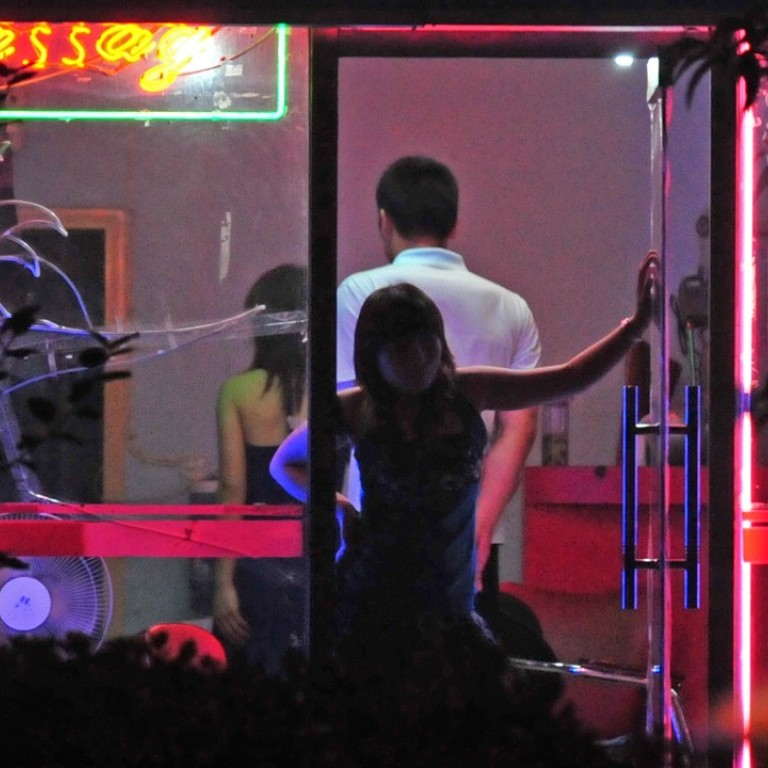 Prostitutes in Shenyeng
