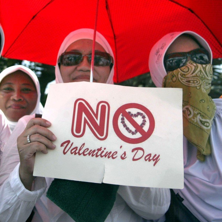 Indonesians urged to defy Valentine's Day celebrations as love