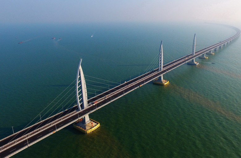 China's mega-bridge is ready