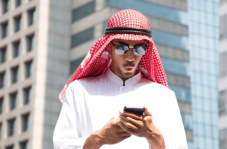 Dubai's phones are sucking up to Beijing